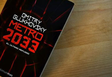 Portada de 'Metro 2033', de Dmitry Glukhovsky | Foto vía Adrián Jiménez