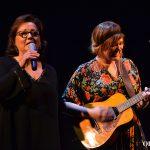 Estíbaliz Uranga se sube al escenario a cantar 'Buenos días' | Foto vía Adrián Jiménez