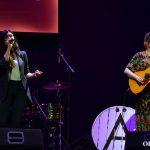 Marilia y María interpretan 'A solas' | Foto vía Adrián Jiménez