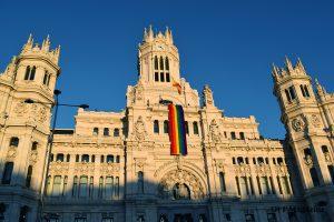 El Palacio de Cibeles engalanado para el World Pride | Foto vía Rocío Barrantes
