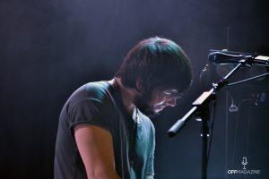 Alejandro a los sintetizadores